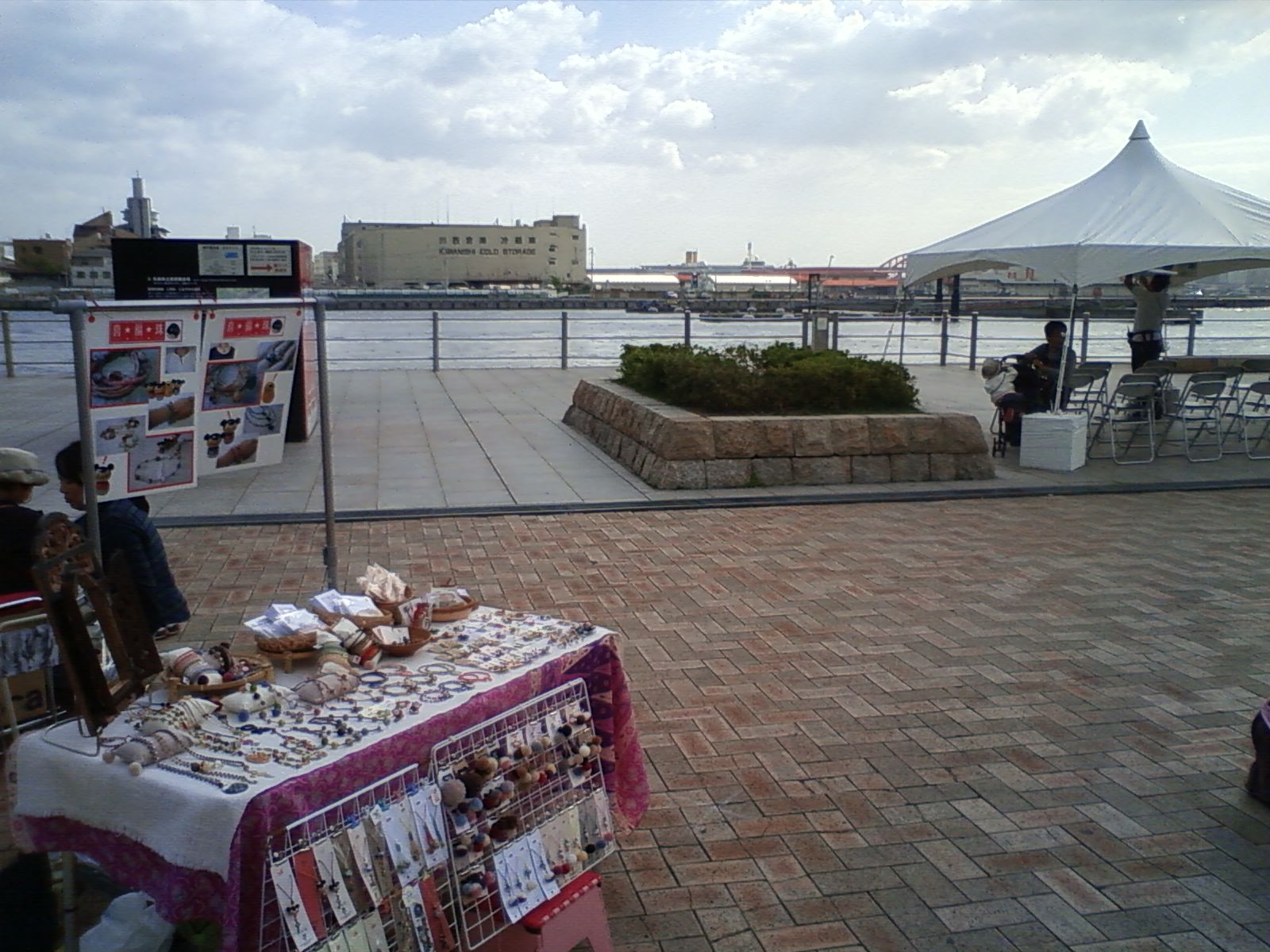 10月18日 ビエンナーレ アートマーケット 準備完了。